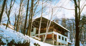 Planinski dom tik pod vrhom Resevne
