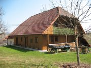 Maticova etno hiša v vasi Ravni Dol na Dolenjskem;
