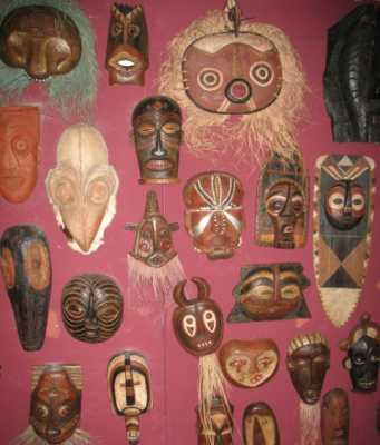 Del največje afriške zbirke v Sloveniji F foita