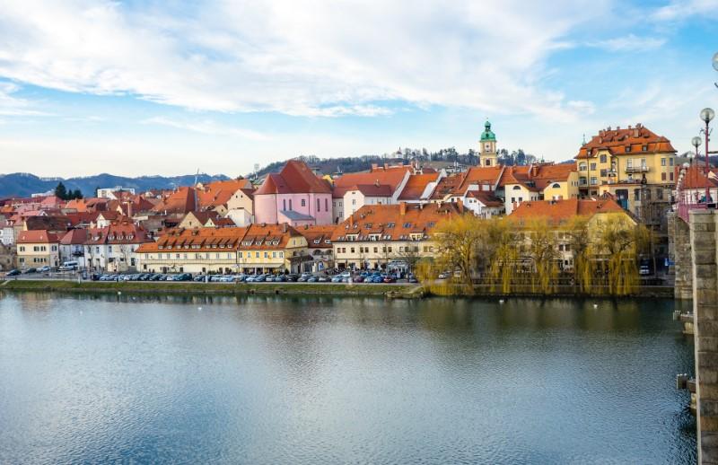 Maribor - staro mestno jedro in reka Drava